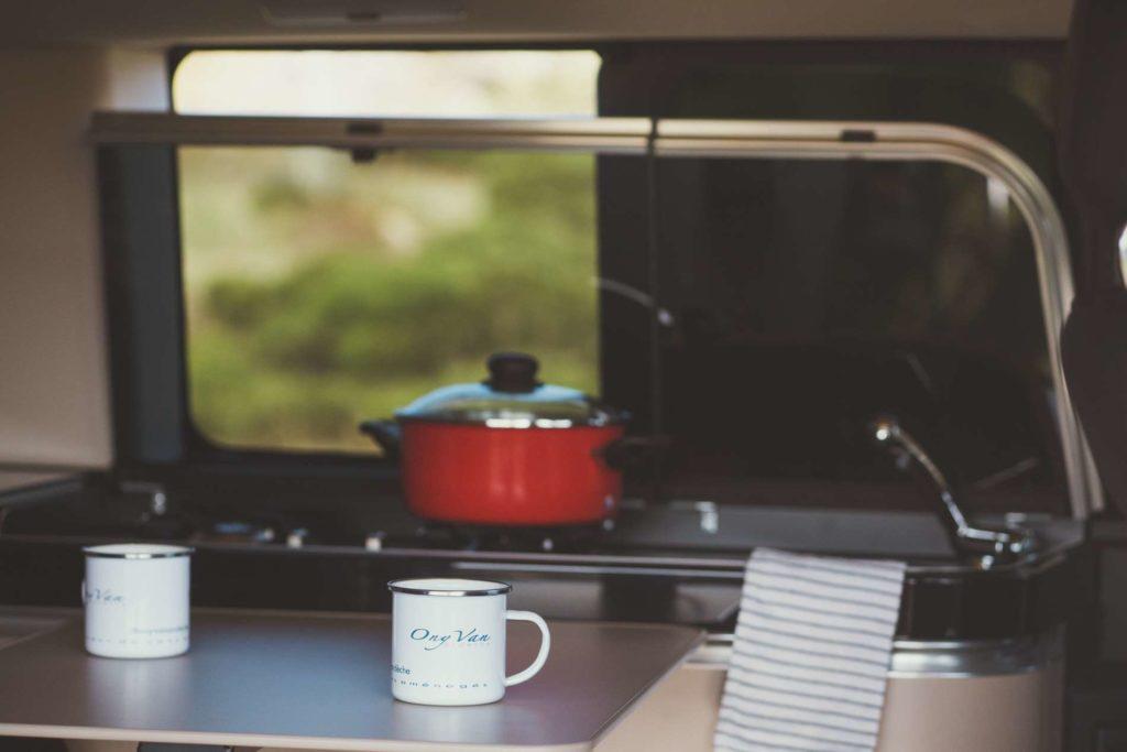 onyvan-cuisine-amenage-mercedes-marco-polo