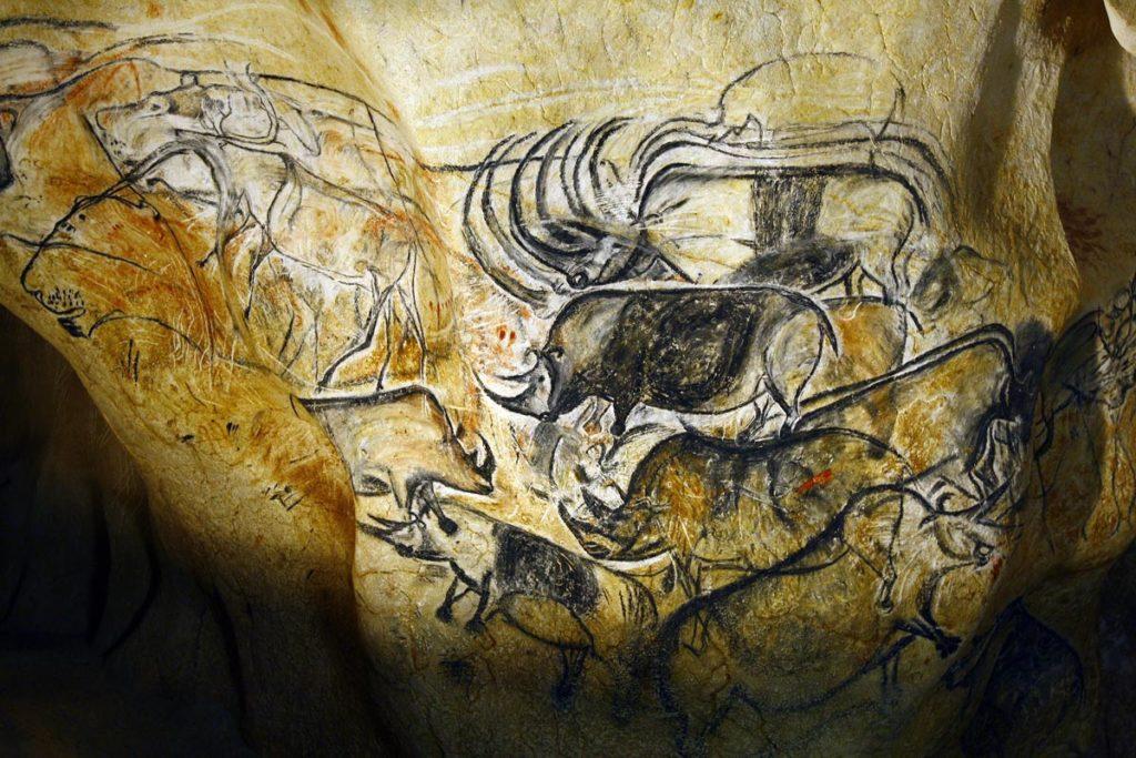 location van aménagé grotte chauvet 2